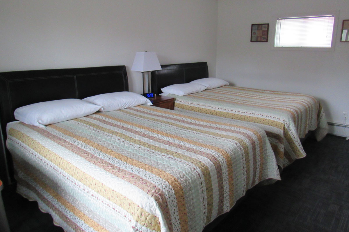 three lakes motel room number 5 with two double beds